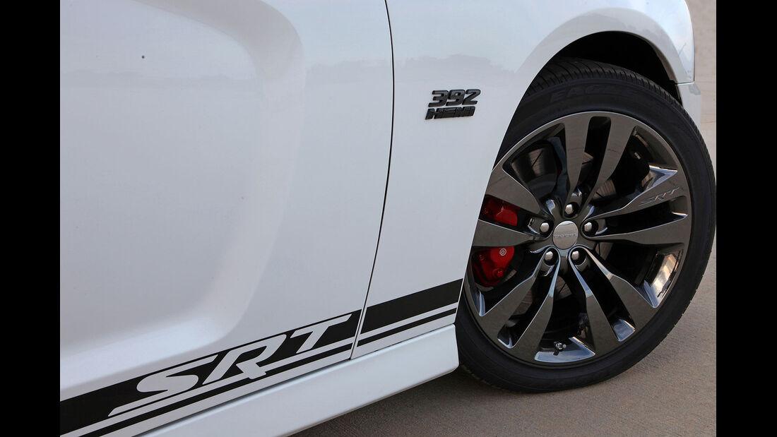 Dodge Charger SRT 8 392