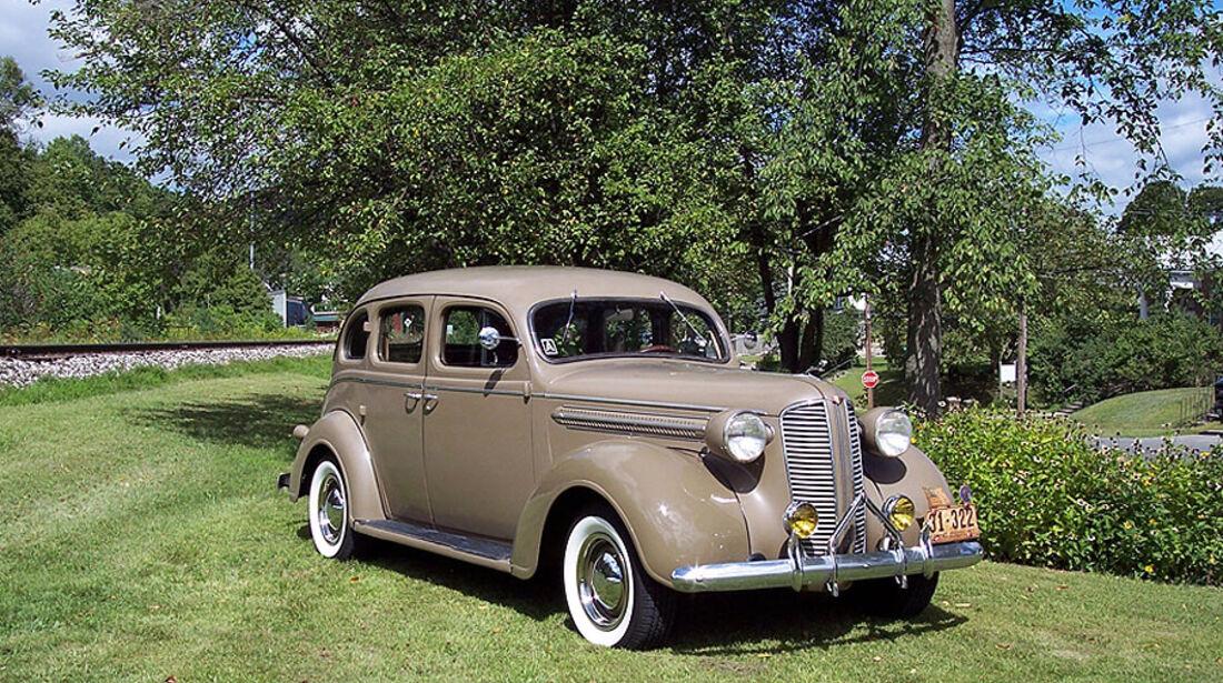 Dodge Touring Sedan Baujahr 1937
