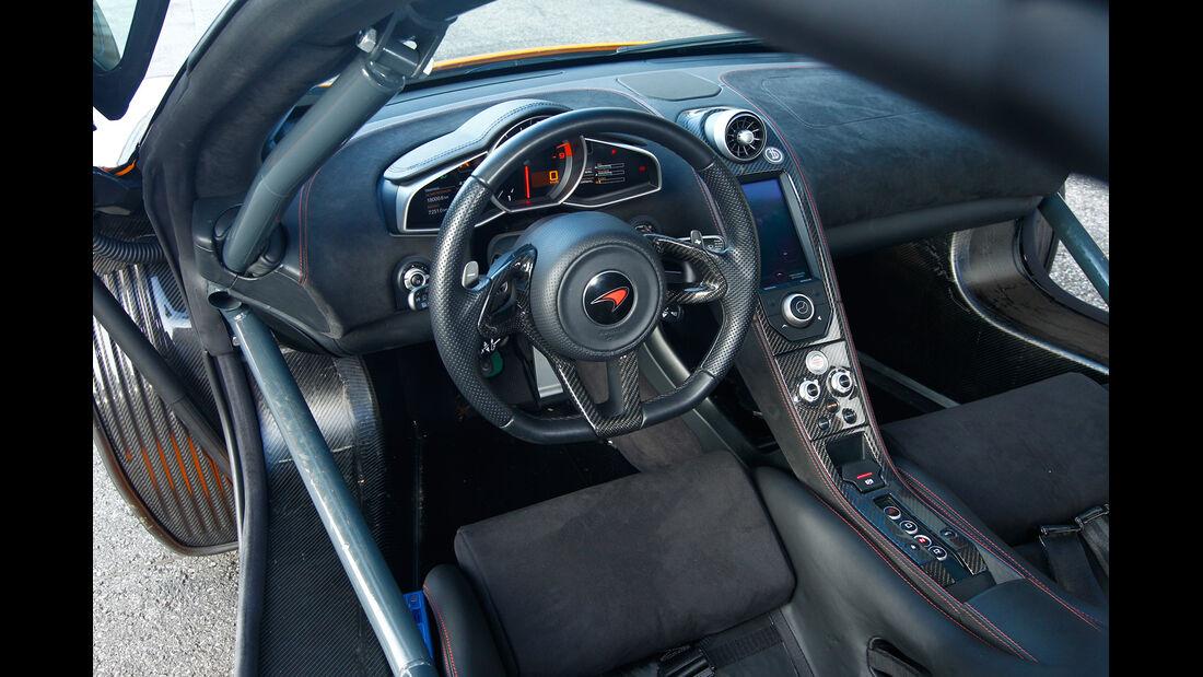 Dörr-McLaren MP4-12C Clubsport, Cockpit, Lenkrad