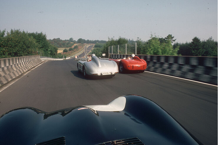 Drei Rennwagen