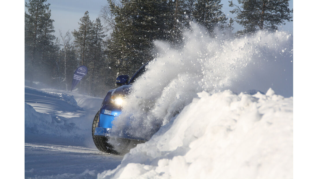 Driftschule, Subaru Impreza, Schneewehe