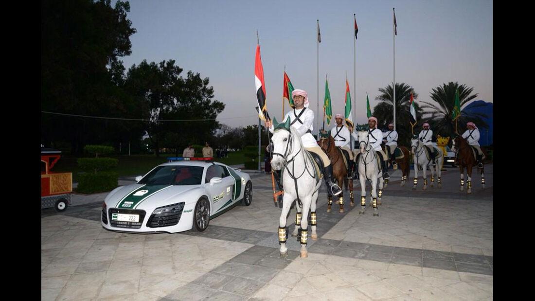 Dubai Police Cars - Polizeiautos Dubai - Audi R8