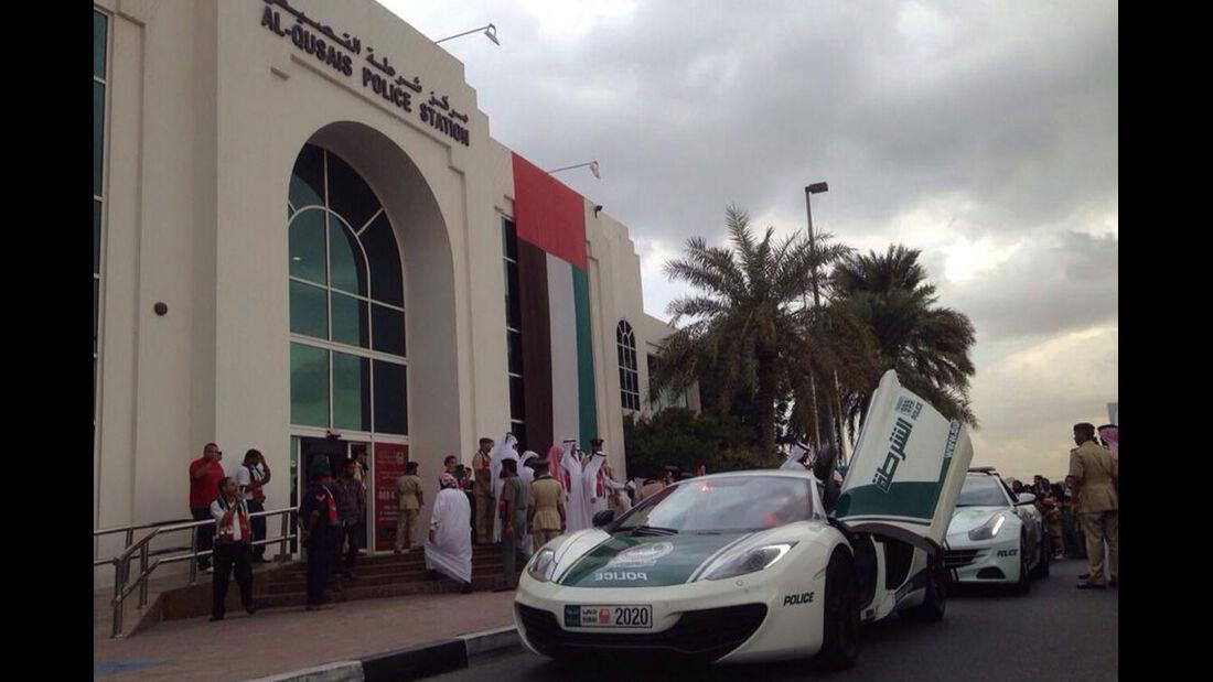 Dubai Police Cars - Polizeiautos Dubai - McLaren MP4-12C