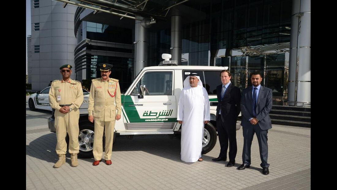 Dubai Police Cars - Polizeiautos Dubai - Toyota Land Cruiser