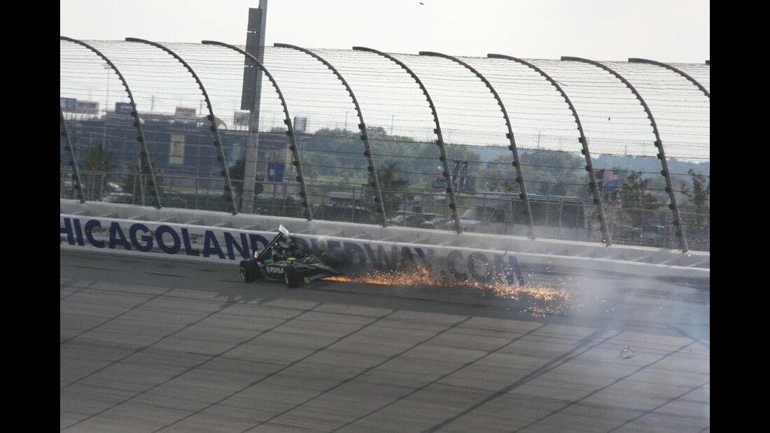 E.J. Viso - IndyCar-Crash