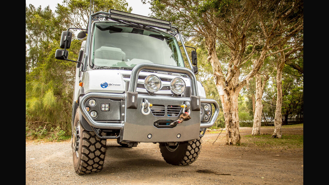 EarthCruiser Overland Vehicles Expeditionsmobil Explorer XPR440