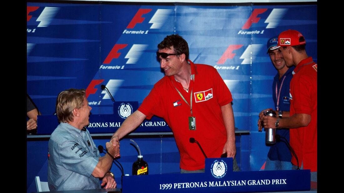 Eddie Irvine - Ferrari - Mika Häkkinen - McLaren - GP Malaysia 1999