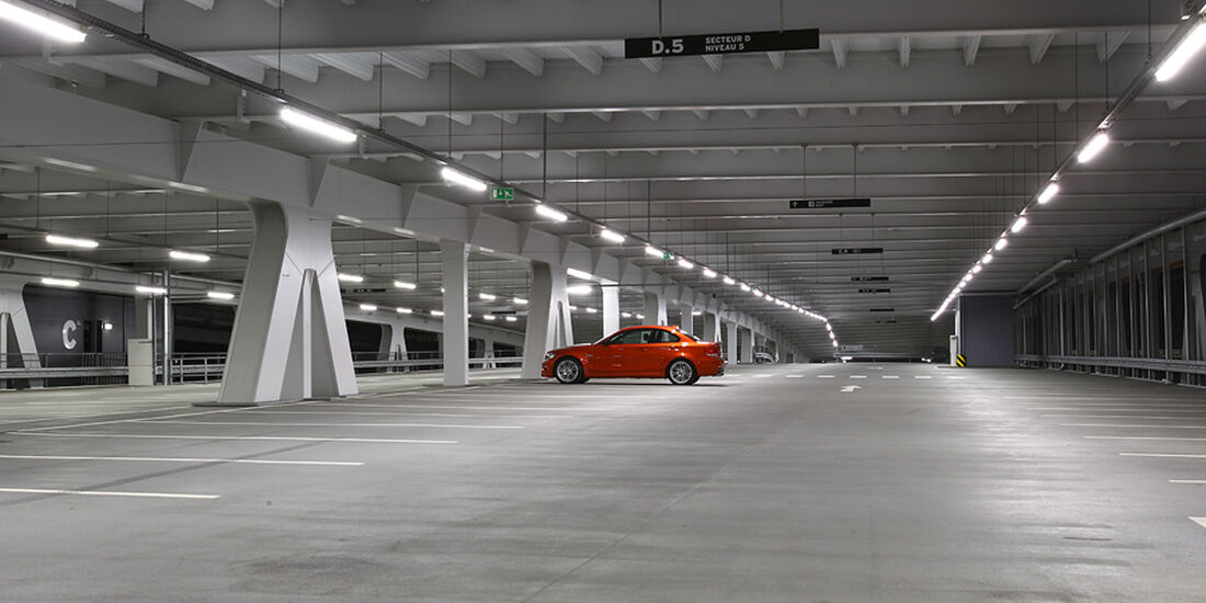Eine Nacht im Parkhaus mit dem BMW 1er M Coupé