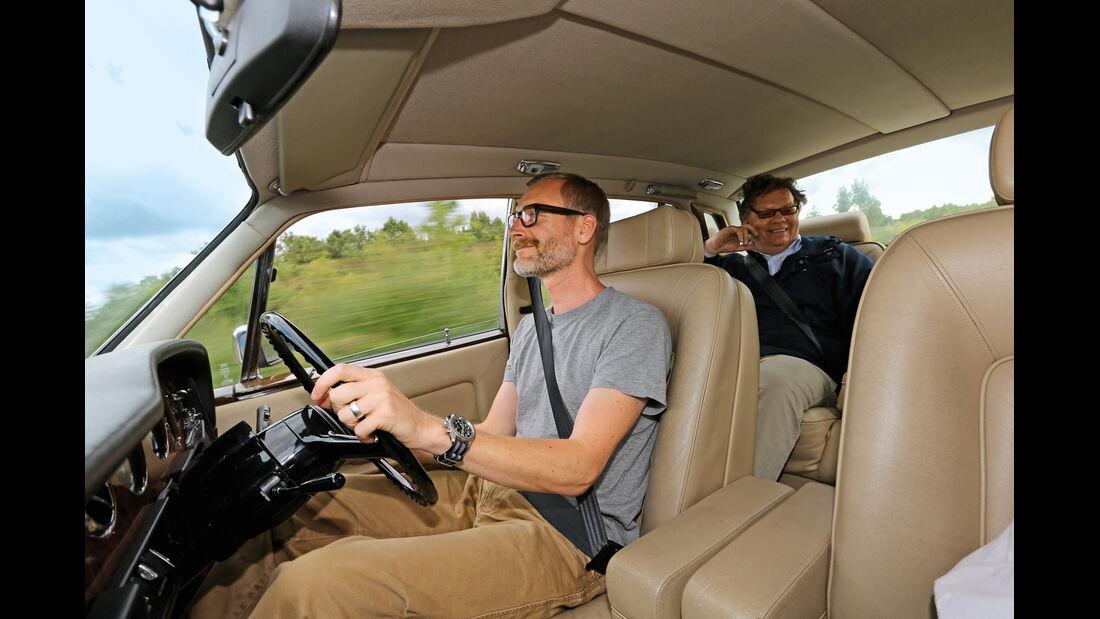 Einkaufs-Tour, Rolls-Royce Silver Spirit, Cockpit, Lenkrad
