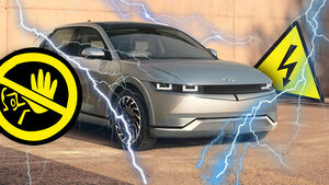 Elektroauto Hyundai Ioniq 5 Stromschlag Achtung Blitz Warnung