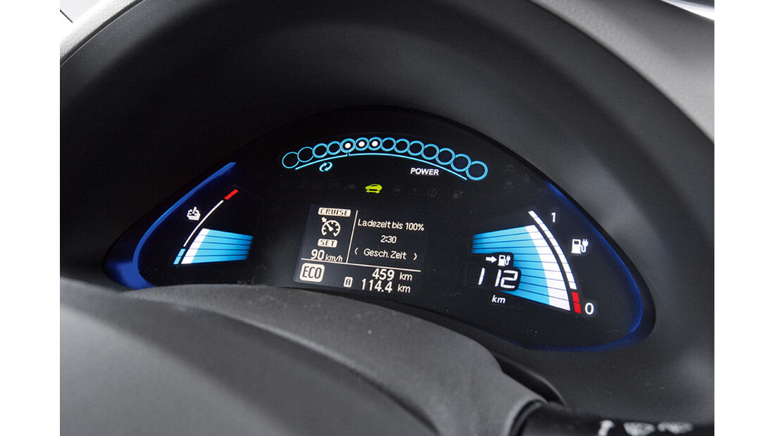 Elektroauto Nissan Leaf Cockpit