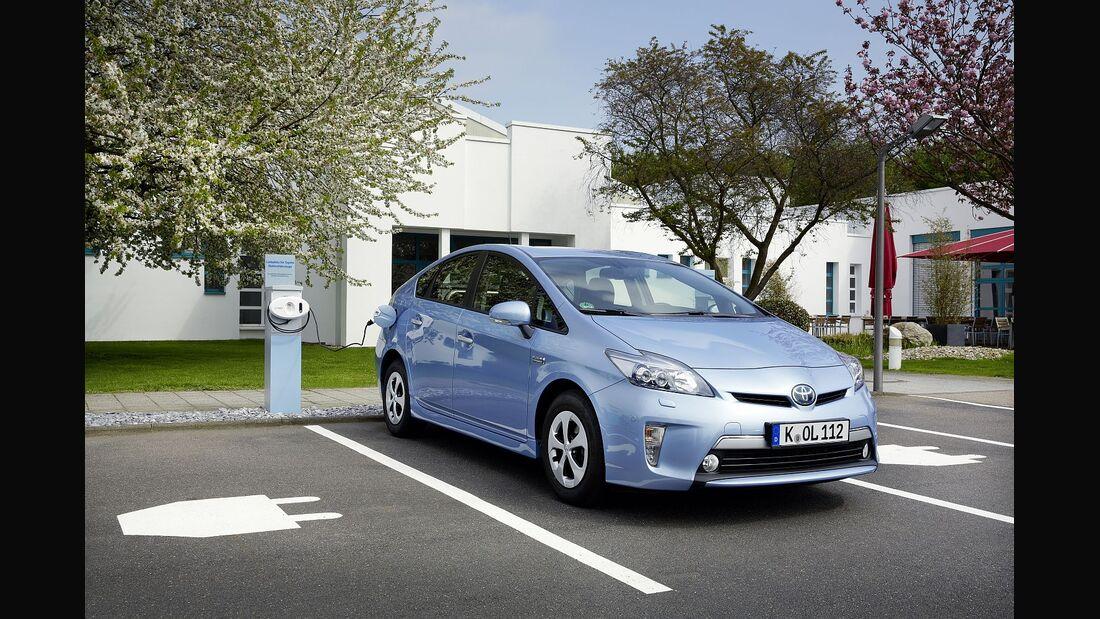 Elektroautos könnten künftig von Parkplatzgebühren befreit werden.