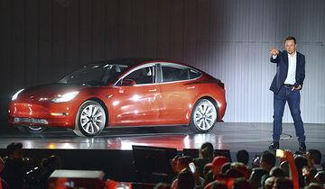 Elon Musk, Tesla Model 3