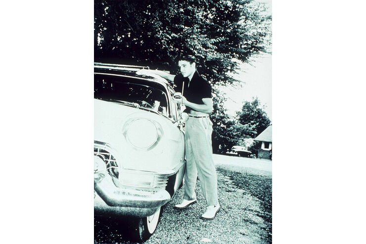 Elvis Autos