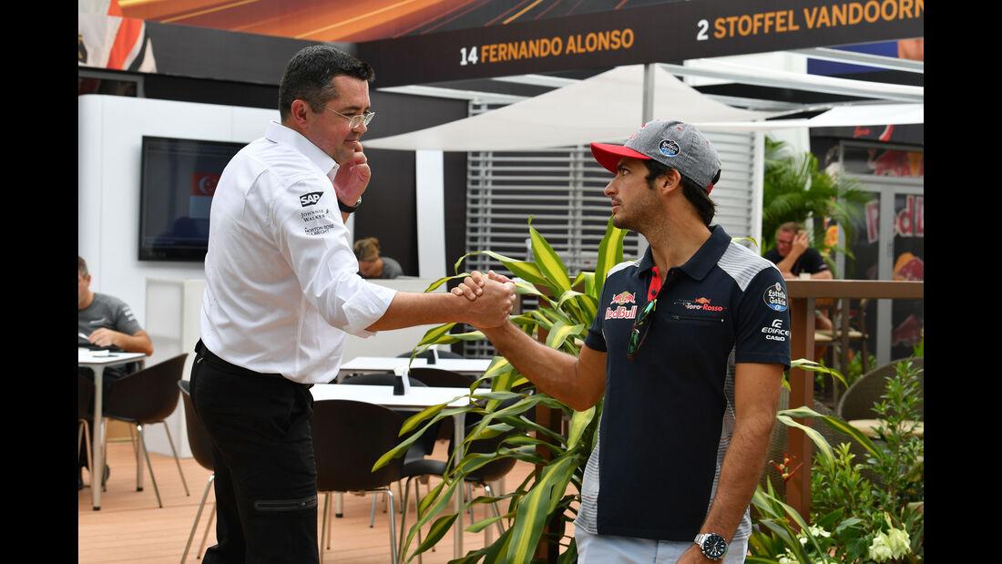 Eric Boullier - Carlos Sainz - GP Singapur - Formel 1 - Donnerstag - 14.9.2017