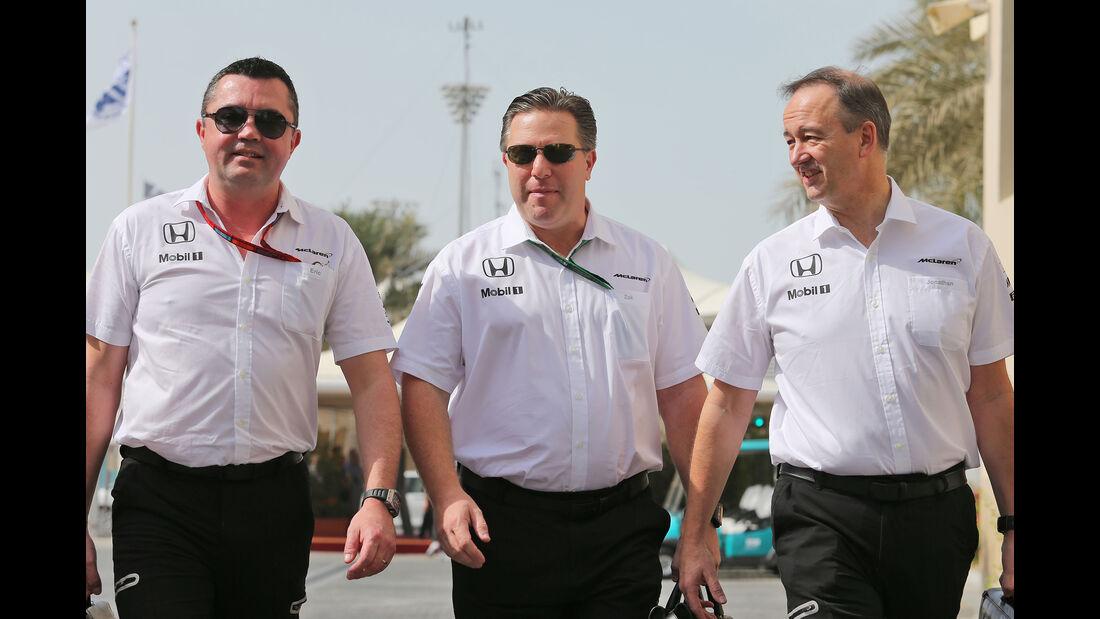 Eric Boullier, Zak Brown & Jonathan Neale - Mercedes - Formel 1 - GP Abu Dhabi - 25. November 2016