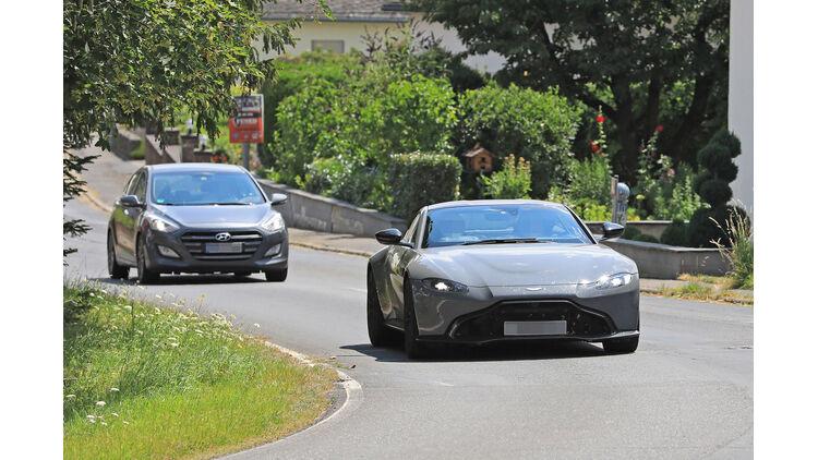 Erlkönig Aston Martin Vantage S 2019 Bilder Und Daten Auto Motor Und Sport