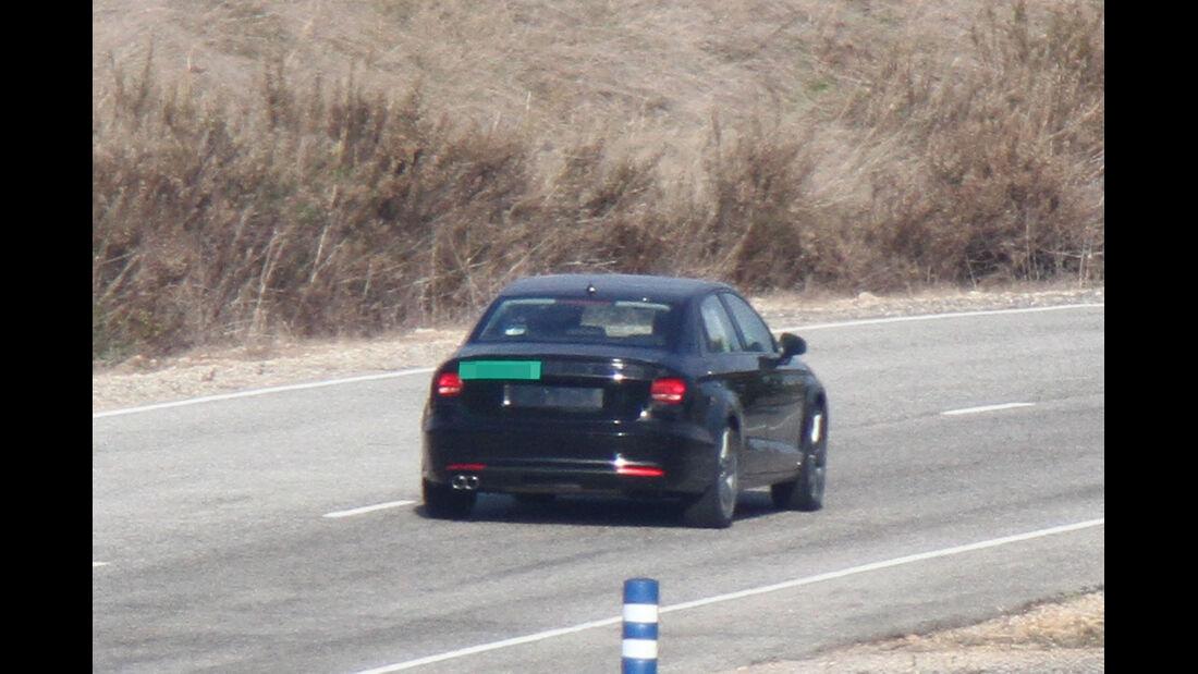 Erlkönig Audi A3 Sedan