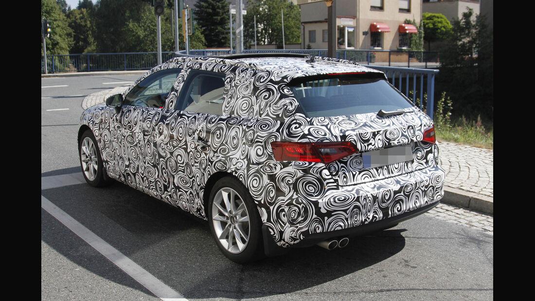 Erlkönig Audi A3 Sportback
