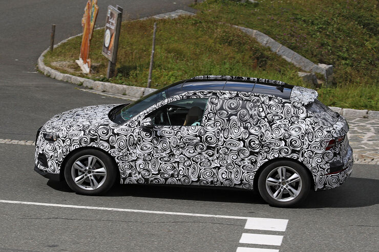 Erlkoenig-Audi-Q3-fotoshowBig-4c3a2935-1113085