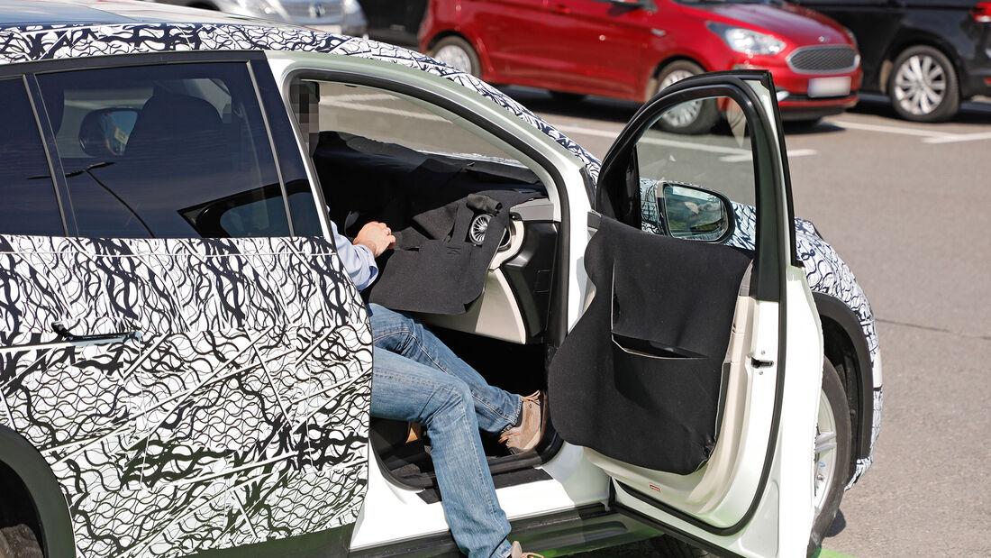 Erlkönig EQS SUV