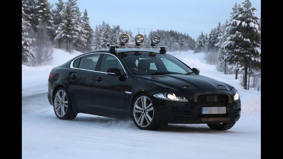 Erlkönig Jaguar XF