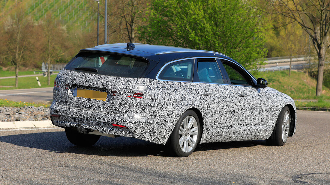 Erlkönig Jaguar XF Sportbrake Facelift