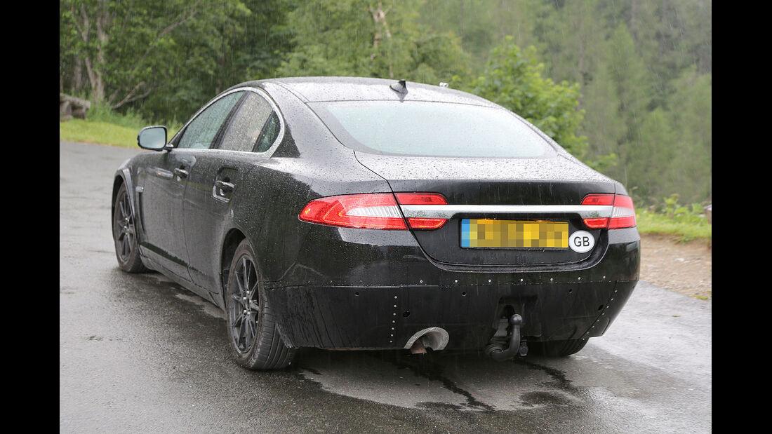 Erlkönig Jaguar XS Muletto