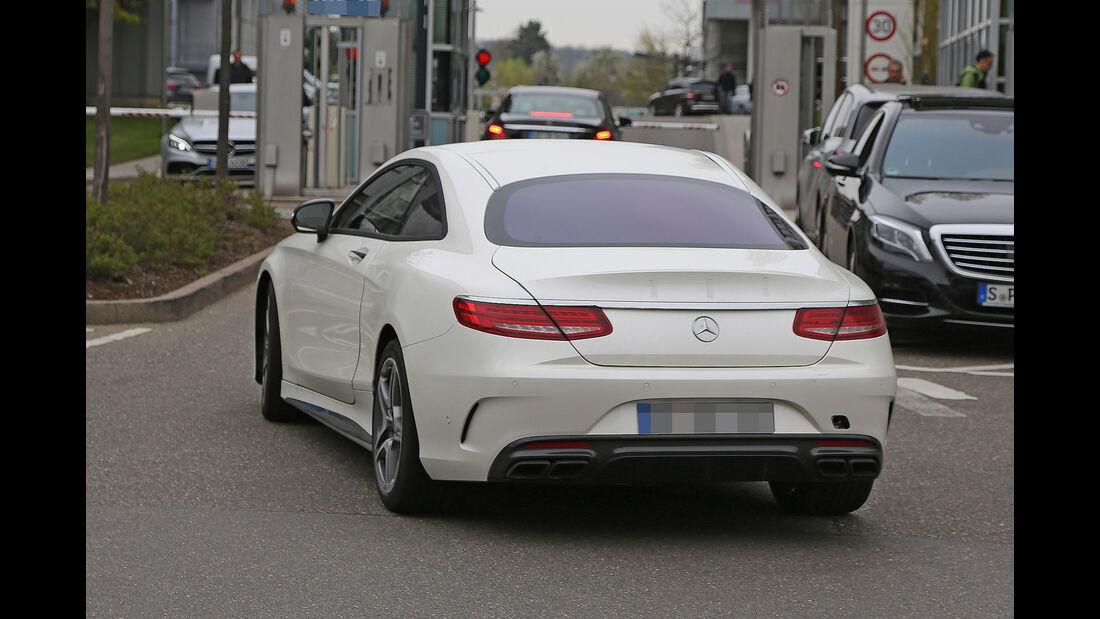 Erlkönig Mercedes-AMG S63 Coupé Muletto