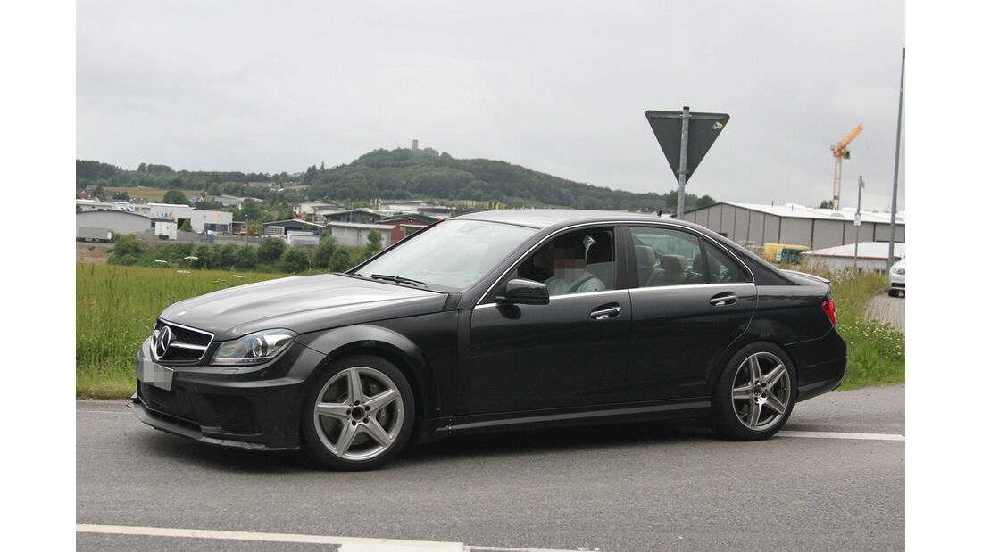 Erlkönig Mercedes C 63 AMG Muletto