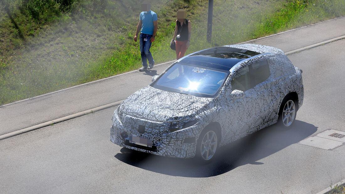 Erlkönig Mercedes EQC Crossover