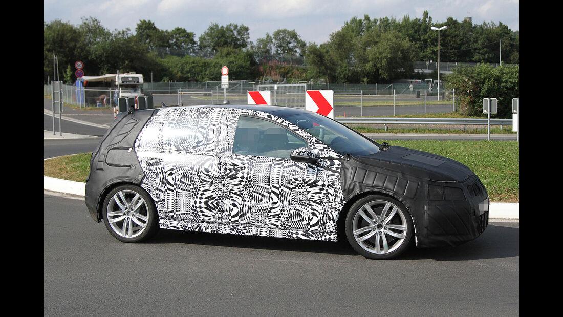 Erlkönig VW Golf GTI VII