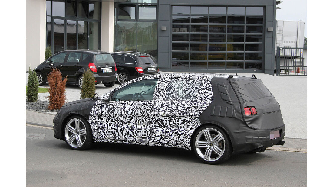 Erlkönig VW Golf R VII