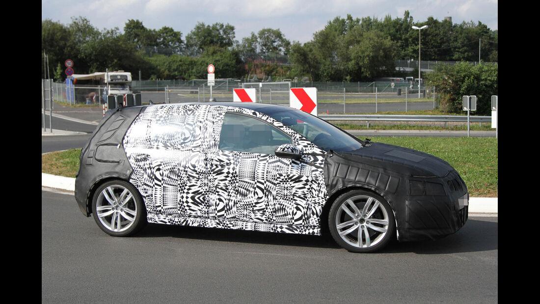 Erlkönig VW Golf VII GTI