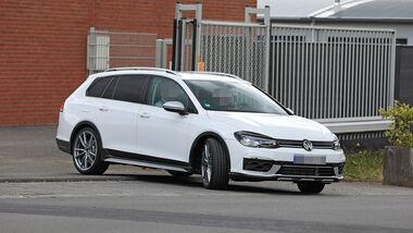 Erlkönig VW Golf Variant R