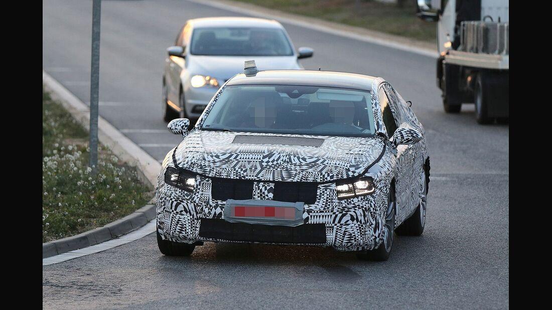 Erlkönig VW Passat