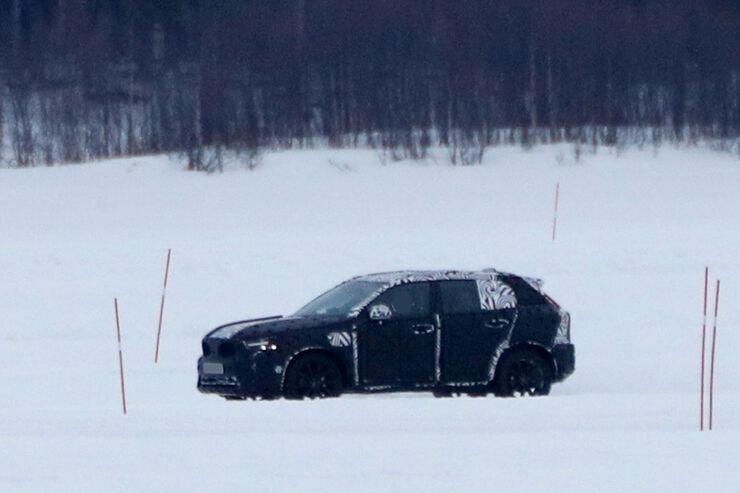Erlkoenig-Volvo-XC40-fotoshowBig-8ad10894-1005590