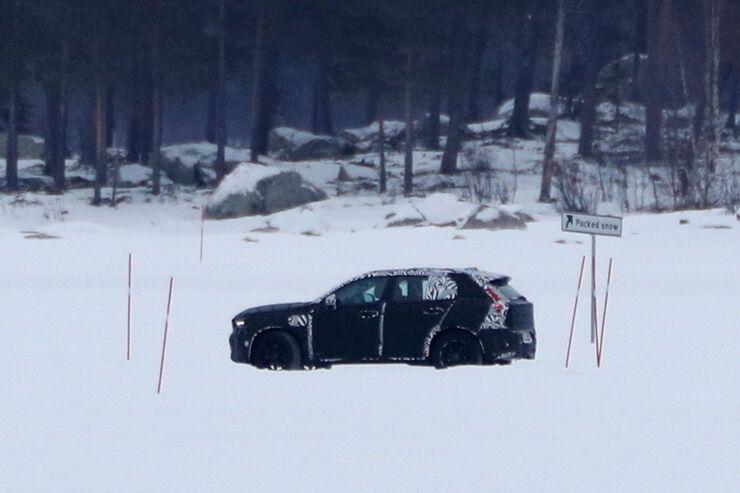 Erlkoenig-Volvo-XC40-fotoshowBig-d0415cd5-1005593