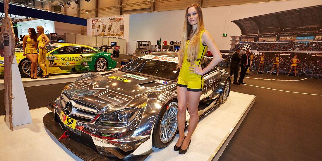 Essen Motor Show 2013 Girls