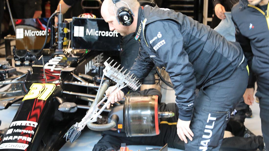 Esteban Ocon - Renault - F1-Test - Barcelona - 21. Februar 2020