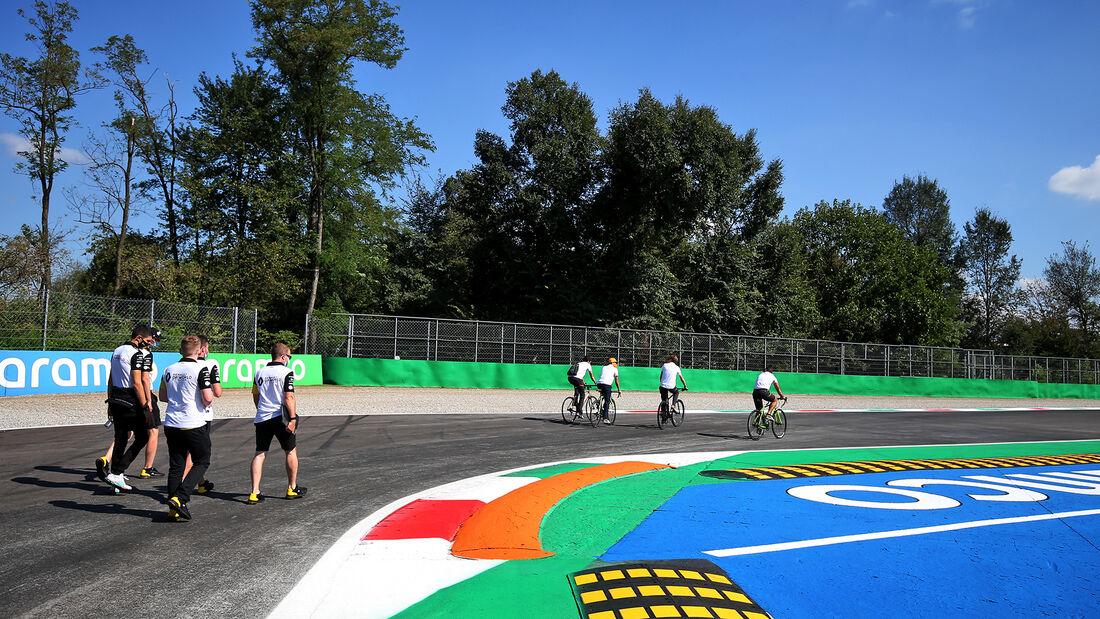 [Imagen: Esteban-Ocon-Renault-Formel-1-GP-Italien...720279.jpg]