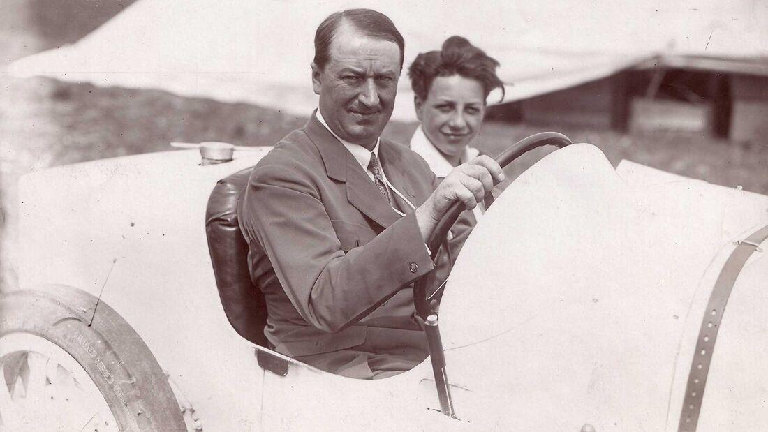 Ettore und Jean Bugatti im Type 35 (1924)