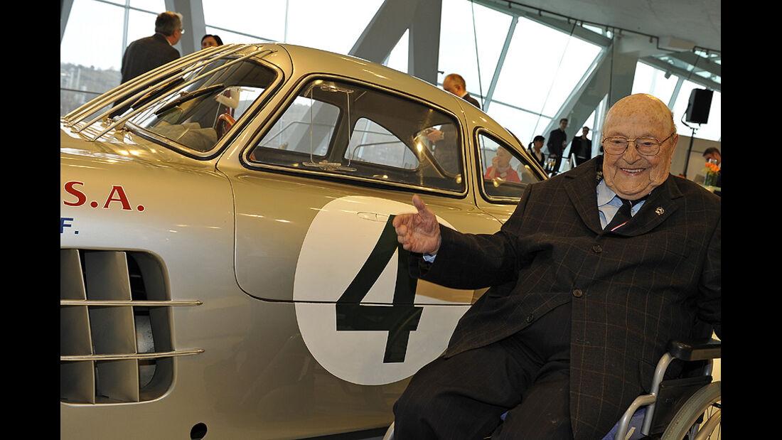 Eugen Böhringer feiert seinen 90. Geburtstaqg im Mercedes-Benz Museum
