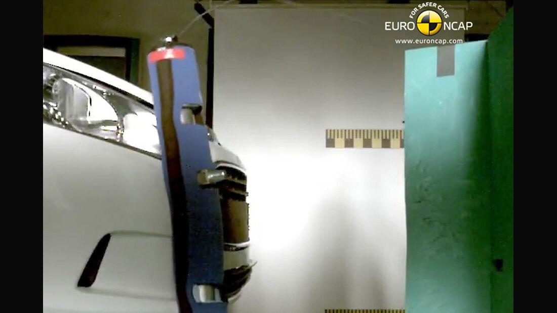 EuroNCAP-Crahtest Ford B-Max Pedestrian Lower