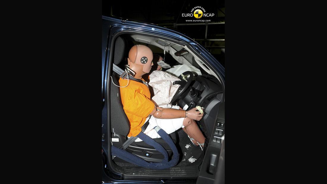 EuroNCAP-Crahtest Isuzu D-Max Driver
