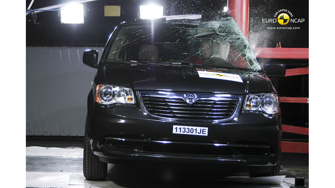 EuroNCAP-Crashtest Lancia Voyager