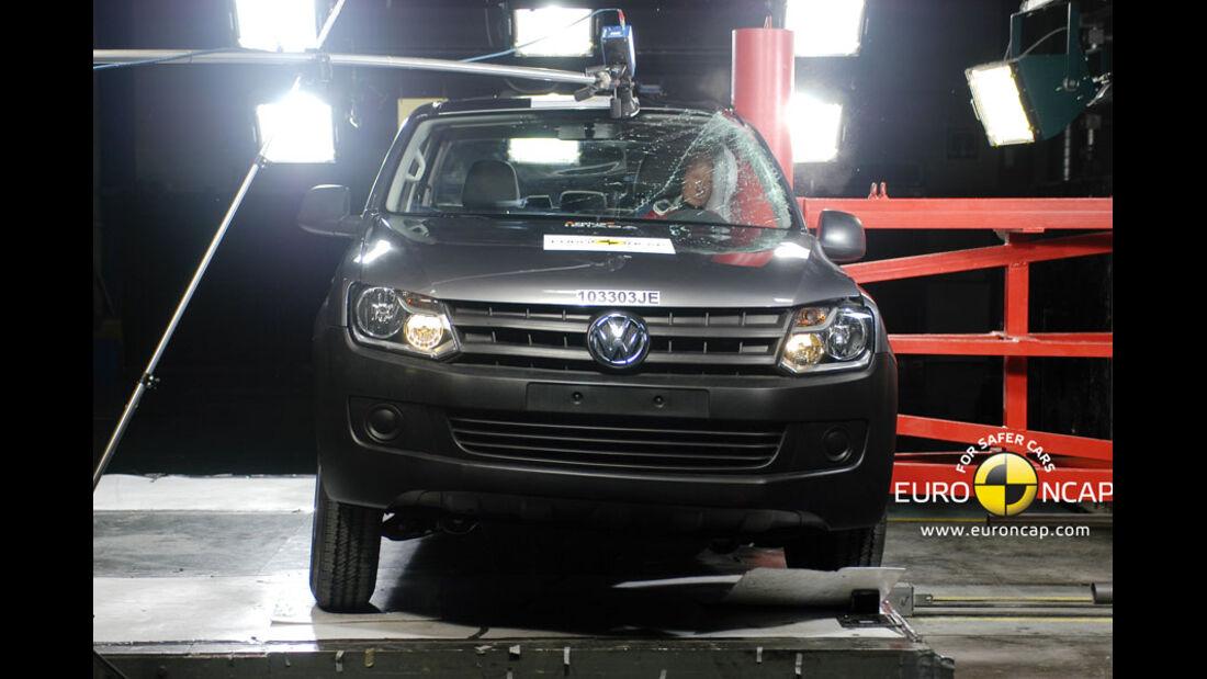 EuroNCAP-Crashtest, VW Amarok, Pfahl-Crashtest