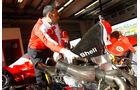 F1 Clienti, Auspuff
