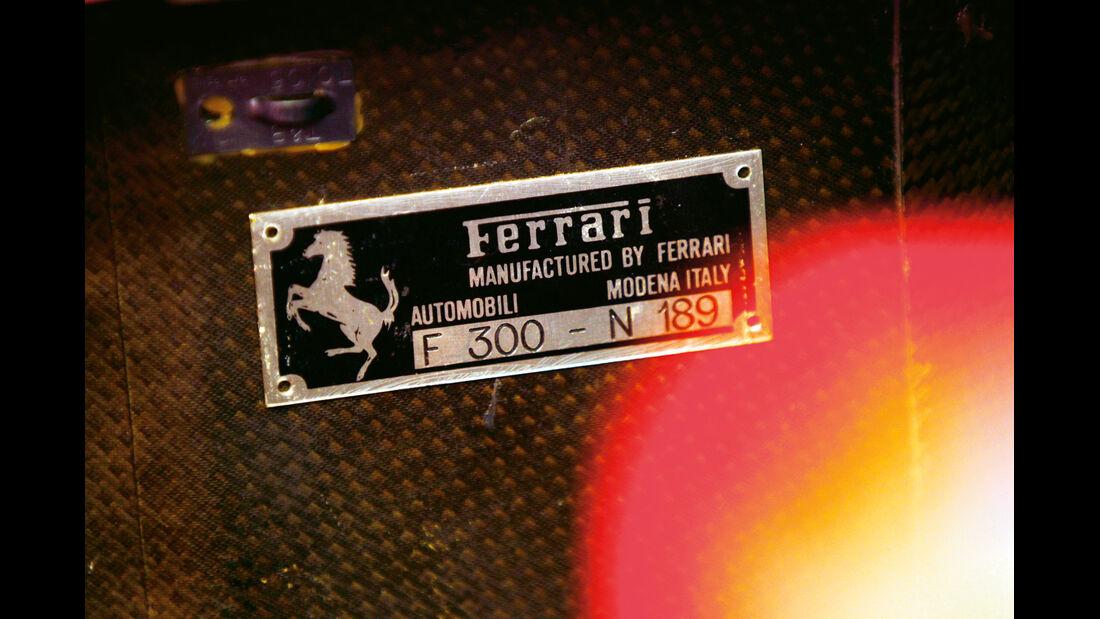 F1 Clienti, Ferrari, Typenschild
