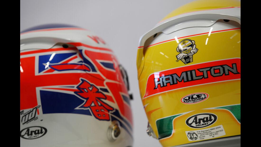 F1 Helme - Button & Hamilton 2012